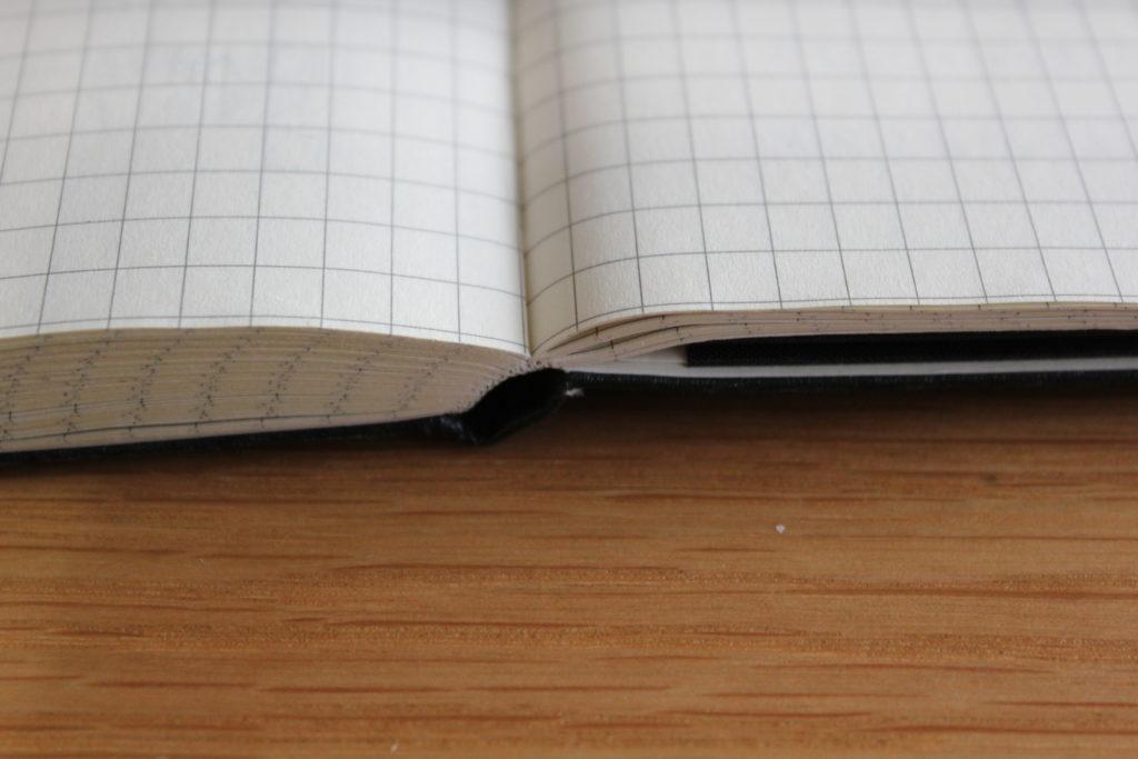 ノートの開き具合